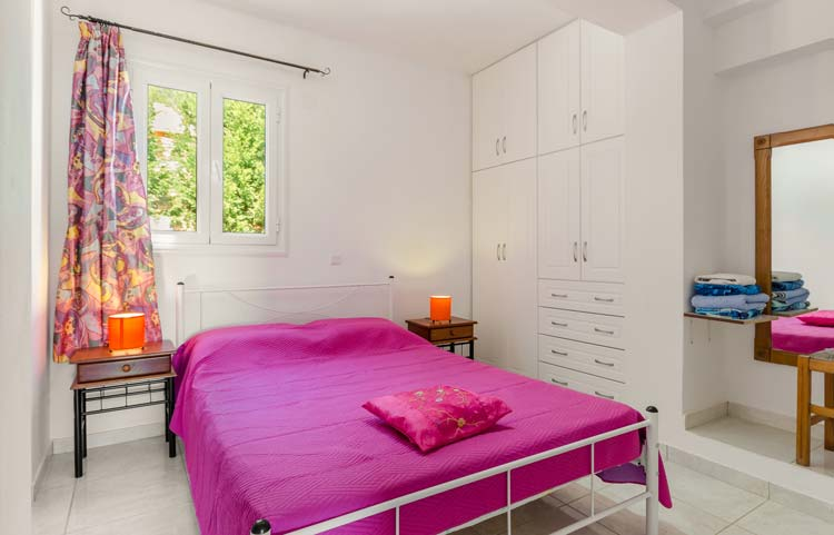 sarakinos-apartments-barbati-1bd45-bedroom-01