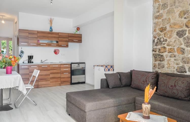 sarakinos-apartments-barbati-1bd45-kitchen-01