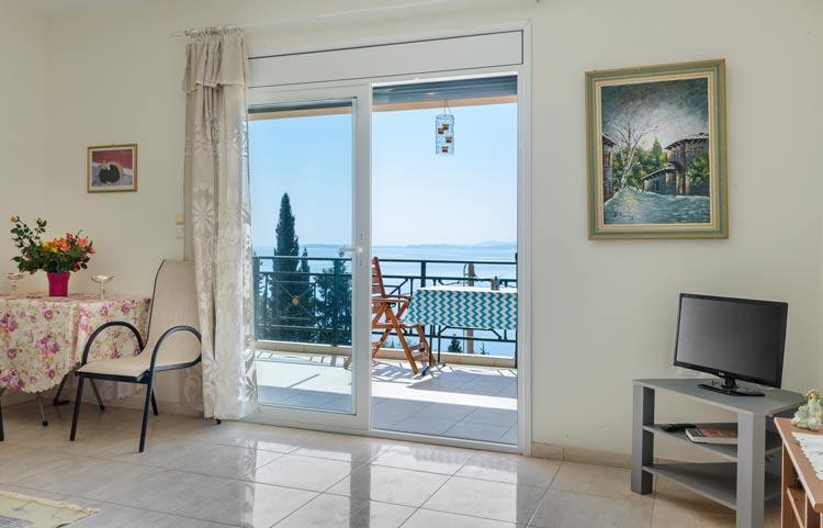sarakinos-apartments-barbati-1bd55-livingroom-01