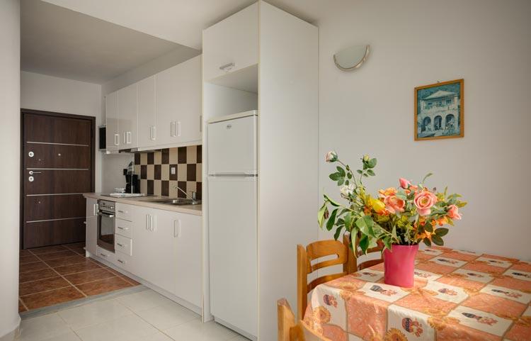 sarakinos-apartments-barbati-2bd55-kitchen-01