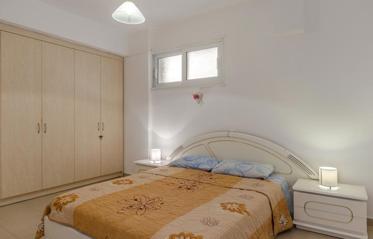 sarakinos-apartments-barbati-grf-bedroom-02